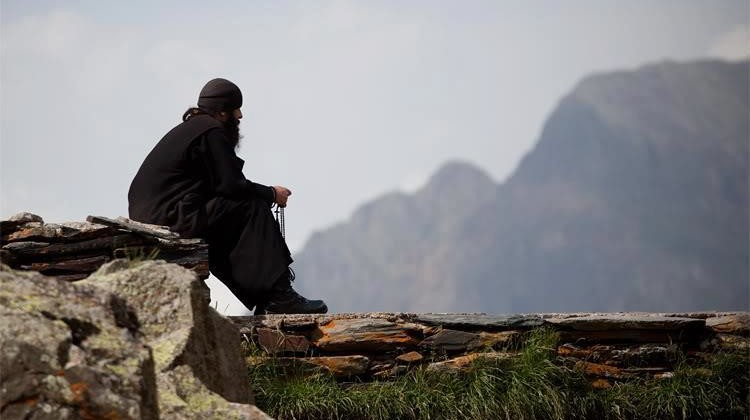 a orthodox-monk-prayer